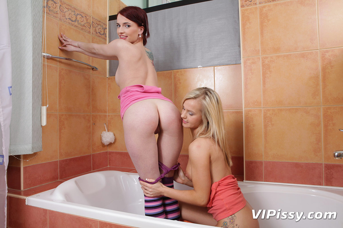 Vipissy baby dream gets drenched in piss and drinks it 2