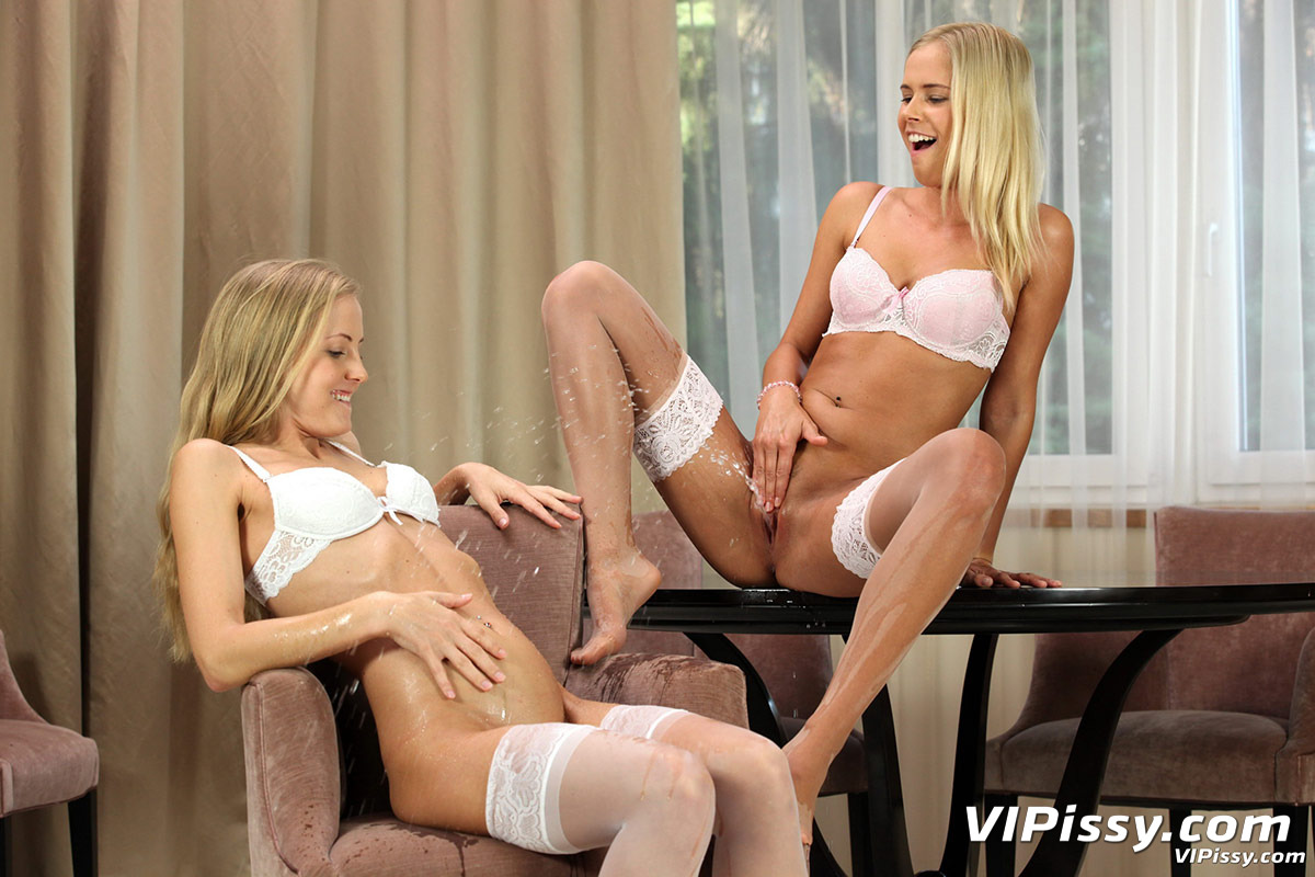 Dido angel piss drinking with her lesbian friend eva berger 7